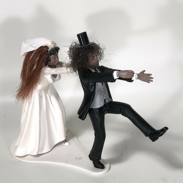 Someone Is Auctioning Off A Cake Topper Featuring Slash S Real Hair Metal Anarchy